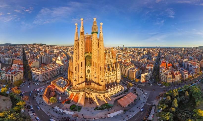 Clubul Fitofarmaciștiilor evadează în comunitatea autonomă din nord-estul Spaniei, în Barcelona!